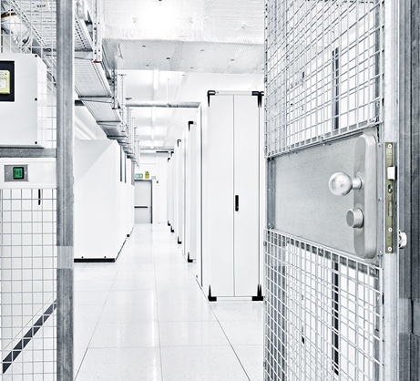 Our partners provide 2 datacenters located in Zurich, 1500 m2